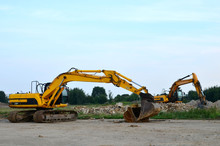 Large Tracked Excavator Digs T...