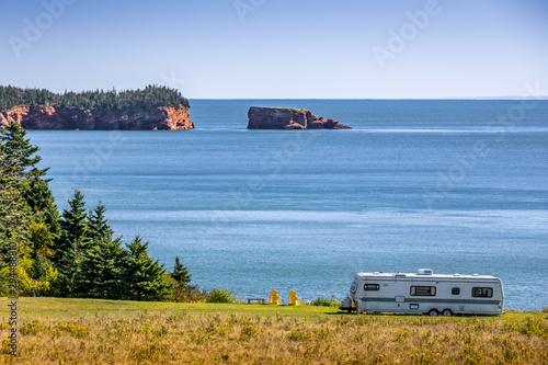 Camper on the coast of Bay of Fundy Fototapet