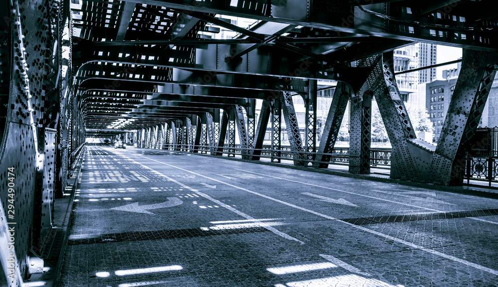 Fototapeta Black and white of Chicago downtown bridge