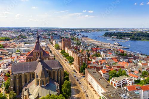 Cuadros en Lienzo Sunny Day at Hanseatic City of Rostock