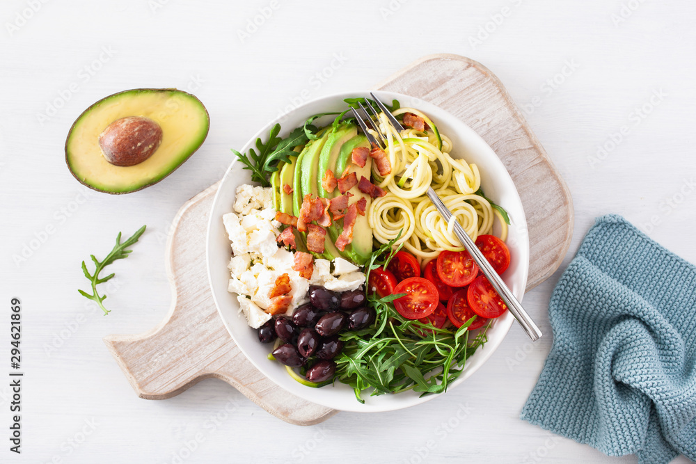 Fototapety, obrazy: ketogenic lunch bowl: spiralized courgette with avocado, tomato, feta cheese, olives, bacon