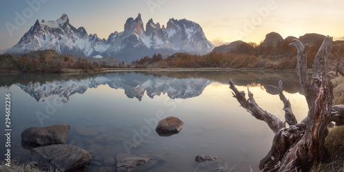 Fotografie, Tablou Pehoe Lake and Cuernos Peaks in the Morning, Torres del Paine National Park, Chi