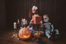 Pretty Little Kids In Hallowee...