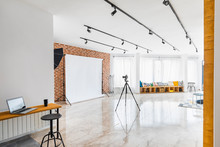Contemporary Photo Studio