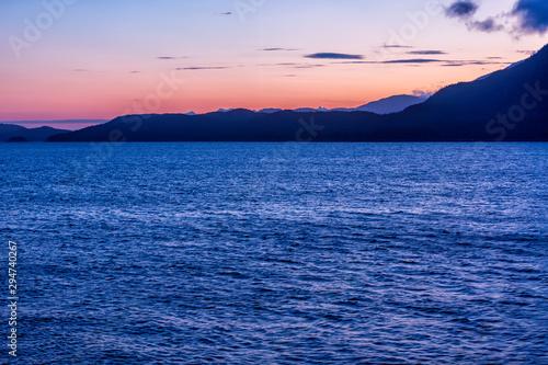 Cuadros en Lienzo  Sunrise on Alaska's Inside Passage