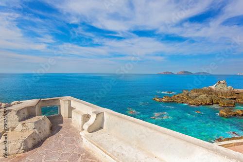 fototapeta na ścianę Scenic Mazatlan sea promenade (El Malecon) with ocean lookouts and scenic landscapes