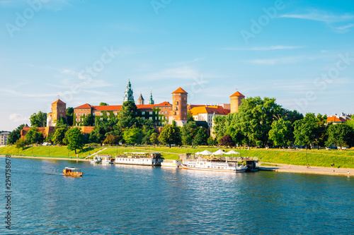 Cadres-photo bureau Europe de l Est Wawel castle and Vistula river in Krakow, Poland