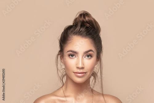 Natural beauty girl portrait. Fototapete