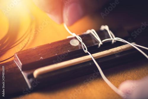 Fotografering restring classical guitar