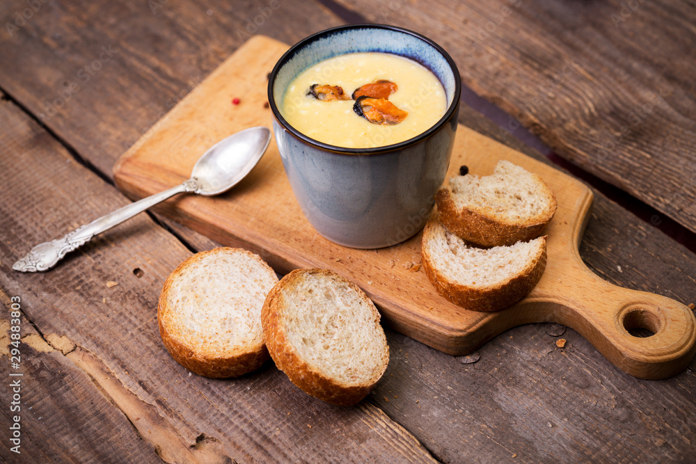 Fototapety, obrazy: soup with mussels in a cup