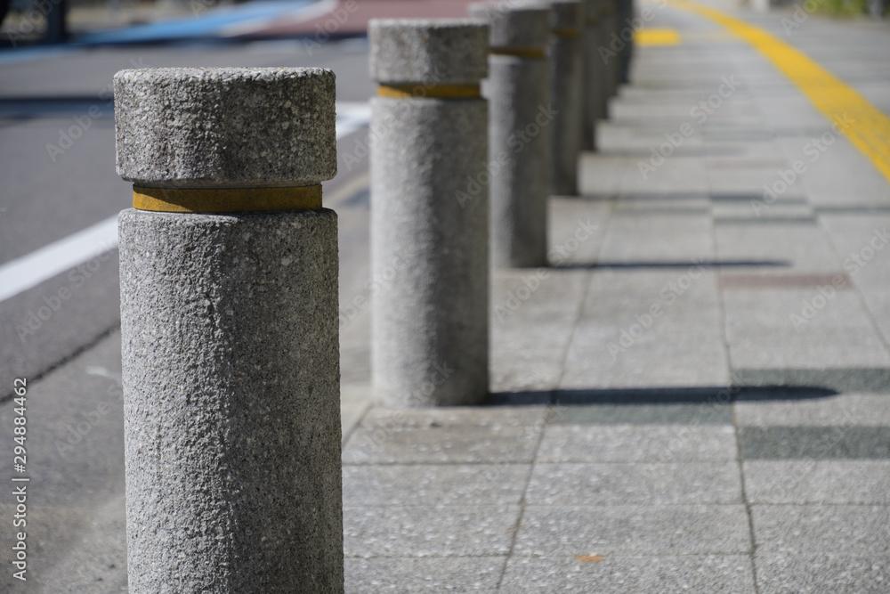 Fototapeta 縁石の列