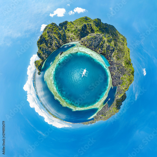 Poster Cote Epic little planet panorama of blue lagoons and limestone cliffs of Coron, Palawan, Philippines.