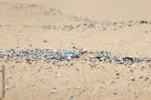 Photo Micro Plastics Washing Ashore On The Beach In Hawaii, USA
