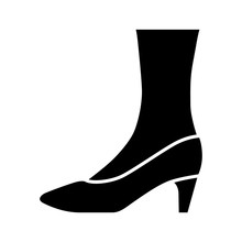 Pumps Glyph Icon. Woman Stylish Formal Footwear Design. Female Casual Stacked Kitten Heels. Fashionable Ladies Clothing Accessory. Silhouette Symbol. Negative Space. Vector Isolated Illustration