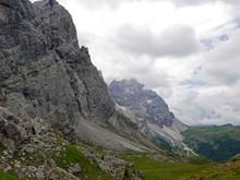 Aspre Montagne Dolomitiche Rocciose In Italia