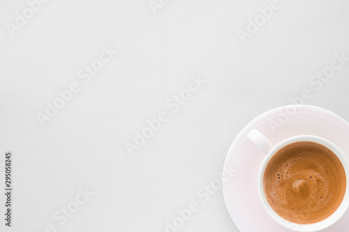 Photo sur Toile Cafe Cup of hot french coffee as breakfast drink, flatlay cups on white background