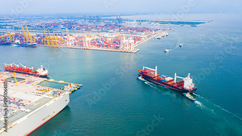 Valokuva  Aerial view cargo ship transportation of business logistic sea freight, Cargo sh