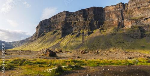 Cuadros en Lienzo Lomagnupur Mountain, amazing landscape along Route 1, Iceland