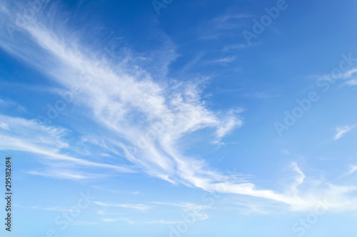 Canvastavla  Translucent airy cirrus clouds high in a blue sky