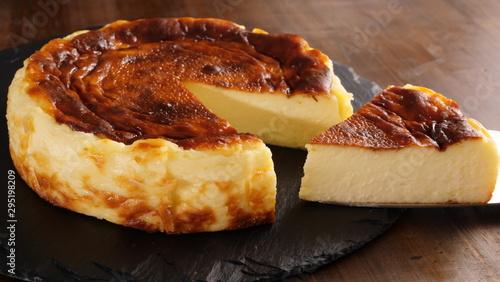 Obraz バスク風チーズケーキ - fototapety do salonu