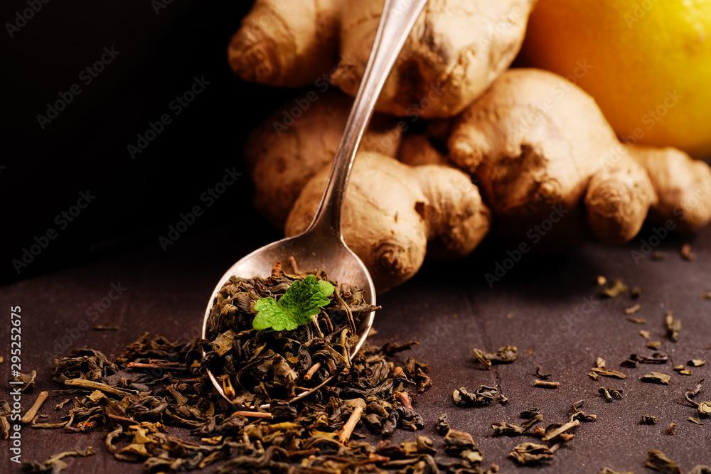 Fototapety, obrazy: grüner tee mit ingwer und minze