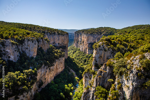 Fotografie, Obraz  The Arbaiun Gorge, at the bottom of the Pyrenean valley of Salazar