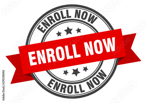 Fotografía  enroll now label. enroll now red band sign. enroll now