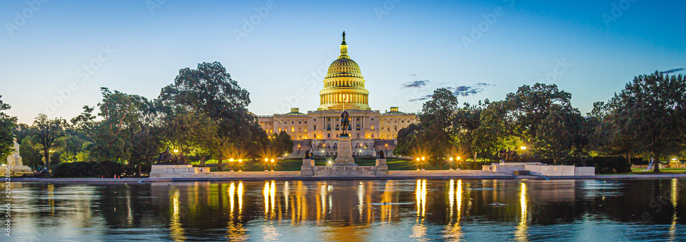 Fototapety, obrazy: Panoramic image of the Capitol of the United States with the capitol reflecting pool in morning light.