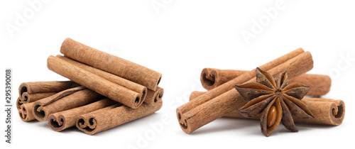 Fotografia Cloves, anise and cinnamon isolated on white background