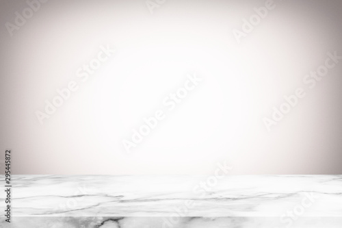 Pinturas sobre lienzo  Abstract Luxury Marble Table with Blurred White Gradient Texture Background with Grain, Suitable for Product Display and Natural Concept