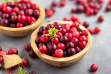 Fresh Red Cranberry In Wooden ...