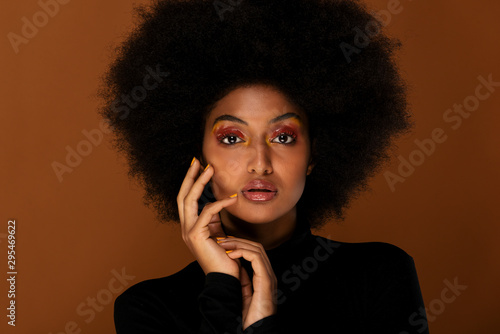 Cuadros en Lienzo Beautiful afro woman