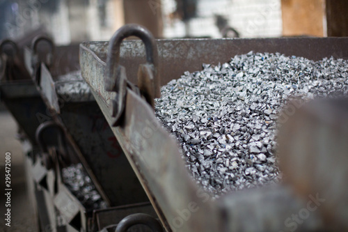 Fotografía  Pieces of ferrotitanium closeup