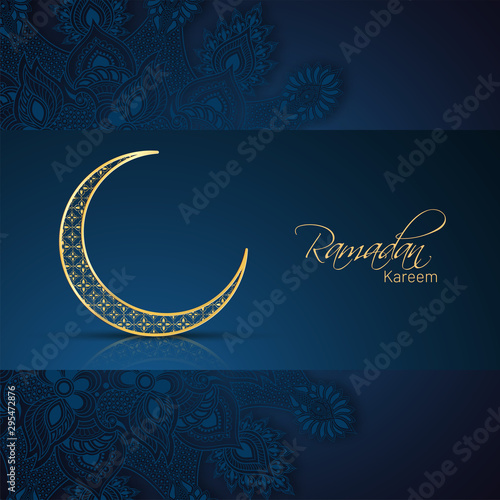 Photo Ornamental crescent moon illustration and floral decorated blue background for Ramadan Kareem banner or poster design