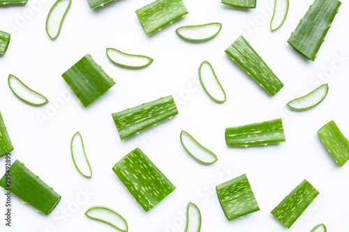 Fotografia  Aloe Vera cut pieces with slices on white background.
