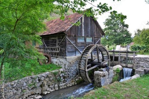 Fotografia an old water mill