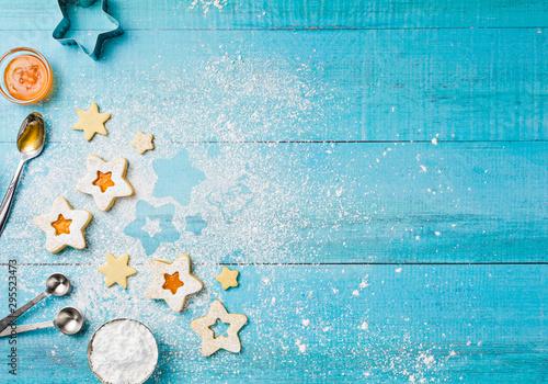 Obraz decorating Christmas Apricot Jam Linzer Suger Cookies - fototapety do salonu