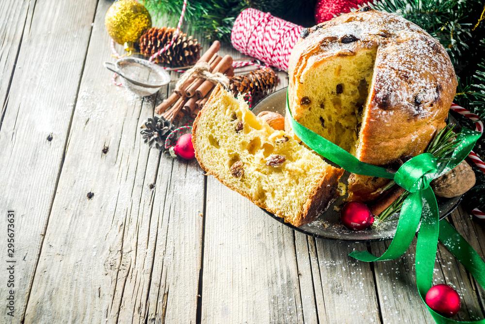 Fototapety, obrazy: Traditional Christmas panettone