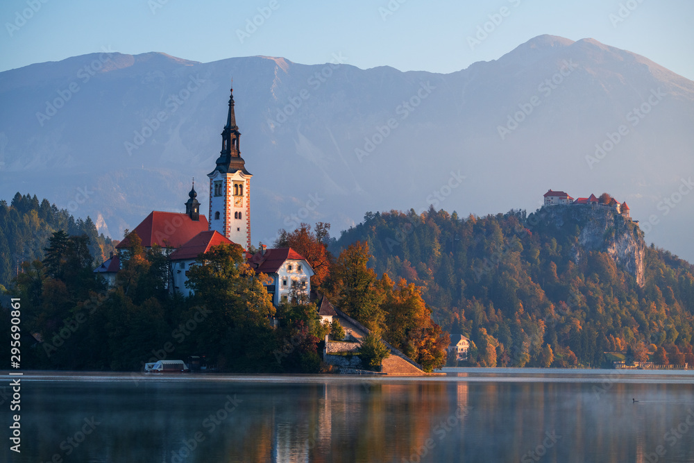 Fototapeta Insel Bled und Schloss Bled auf dem Bleder See, Slowenien