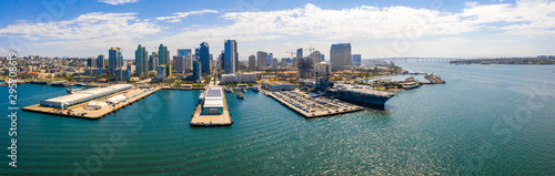 Amazing panoramic view of the San Diego downtown by the harbour with many skyscr Tablou Canvas