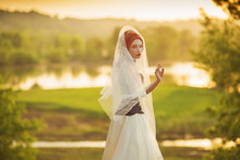 Young Renaissance Princess On Veil On Nature Background. Virgin Woman. Rococo Queen In White Dress Against Backdrop Of Sunset. Princess In Veil Dress. Renaissance Imitation Of Countess. Edwardian Look