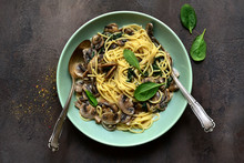 Spaghetti With Mushrooms And S...