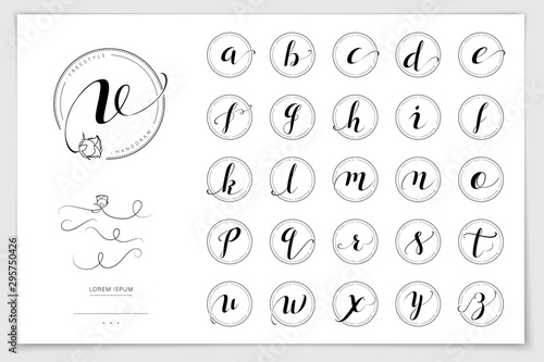 Fotografia Hand drawn alphabet written with brush pen.