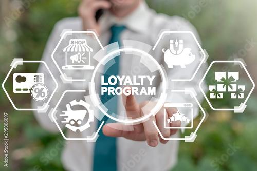 Fotografía  Loyalty Program Shopping Earn Points Return Money concept