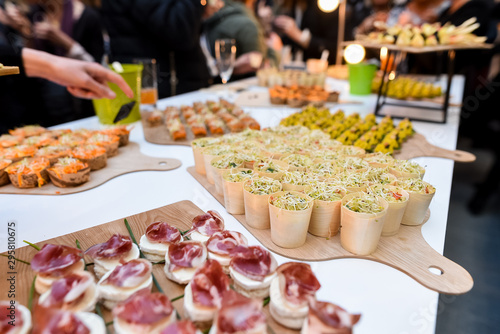 Canvas-taulu catering miniature food dishes at banquet