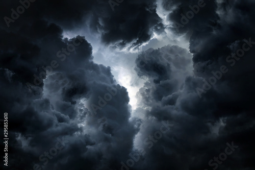 Dramatic Clouds Background Fototapeta