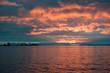 canvas print picture - Abendrot, gut Wetter Bot - Der dramatische Sonnenuntergang an der Küste Spitzbergens verheißt einen schönen sonnigen neuen Tag