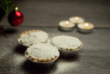 Mince Pies Dusted With Icing S...