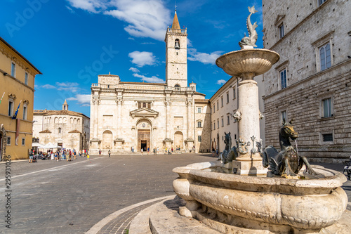 Foto op Plexiglas Oude gebouw The Cathedral of St. Emidio and the Baptistery of San Giovanni in Arringo Square of Ascoli Piceno, Italy.
