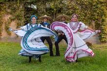 Charro Adelitas Exterior Baile...